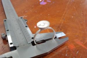 Zilveren ring met concentrische kommetjes